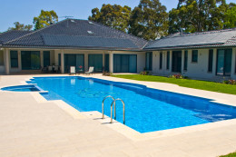 Luxury swimming pool - Glenhaven