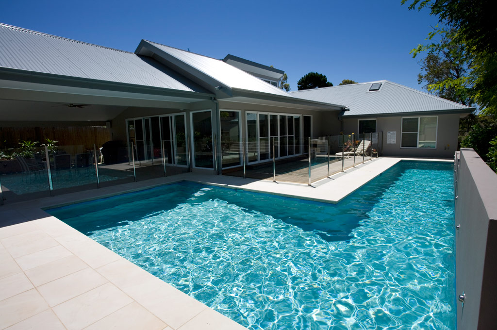Wrap around pool Beacon Hill Crystal Pools
