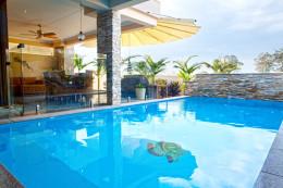 Indoor outdoor pool - Bella Vista