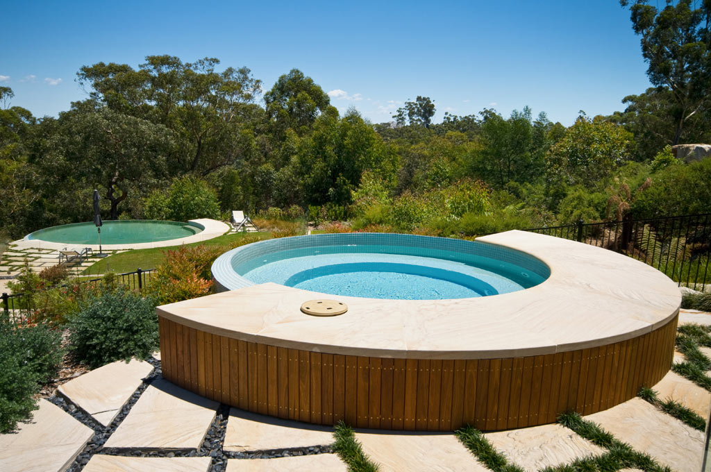 circular swimming pool dural crystal pools. Black Bedroom Furniture Sets. Home Design Ideas