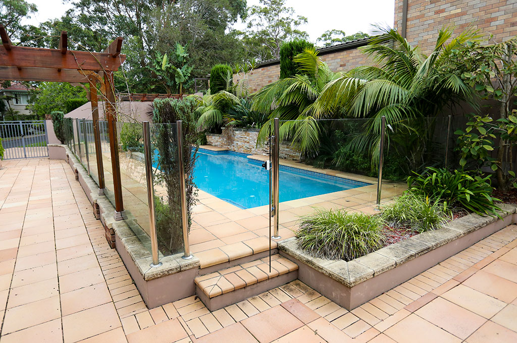 Types of pool fencing pool buyer 39 s guide crystal pools for Different types of pools
