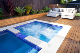 Plunge pool - Rouse Hill