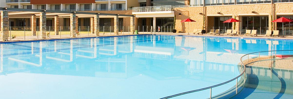 Commercial Pool Builder | Resort pools