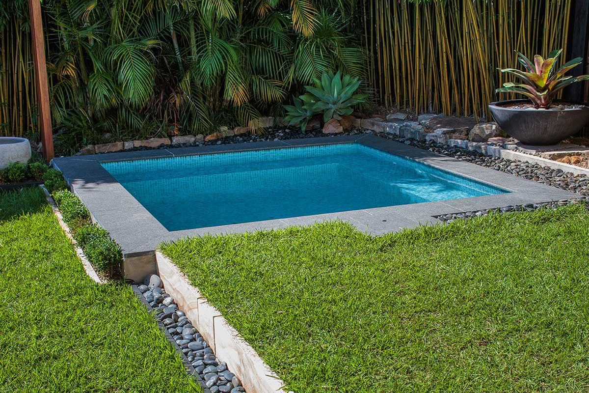 Roseville Plunge Pool 13471
